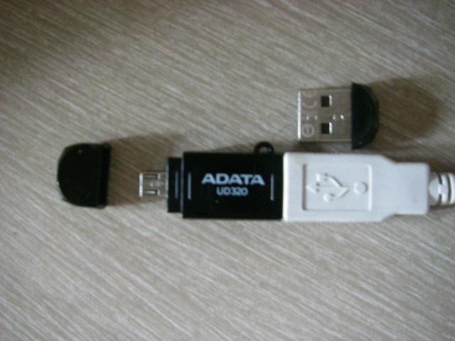 microB対応USBメモリー